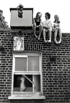 When the German photographer Frank Habicht arrived in London in the the pop revolution of the swinging sixties was still in the starting blocks. Swinging London, Photography Exhibition, Street Photography, Vintage Photography, Art Photography, British National, London Look, Martin Parr, Provocateur