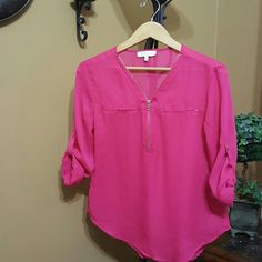 Blouse Beautiful magenta blouse! Only used a few times. Fits like a medium. Tops Blouses