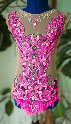 Competition Rhythmic Gymnastics Leotard Video: https://youtu.be/9sT1Z5xiVIA In the production used : 1. Hand-painted on fabric . 2. stones ( crystals ) DMC AB Luxury class . 3. supplex and net - production of Italy . This suit is suitable for a girl with such parameters: Height 128-134 cm. Bust - 60-65 cm Waist - 50-55 cm Hips - 62-67 cm In the unstretched form, the chest width is 30*2 cm, the waist width is 25*2 cm. The large arch is the length from the shoulder to the e...