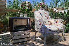 photocall_alquiler_muebles_robin_lastressillas_barraca Outdoor Chairs, Outdoor Furniture, Outdoor Decor, Robin, Wedding Planner, Home Decor, Sheds, Wedding, Style