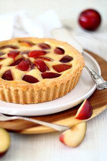 Mascarpone-pruimentaartje Gourmet Recipes, Cake Recipes, Gourmet Foods, I Love Food, Good Food, Ice Cream Pies, Salty Cake, Molecular Gastronomy, Gastronomy Food