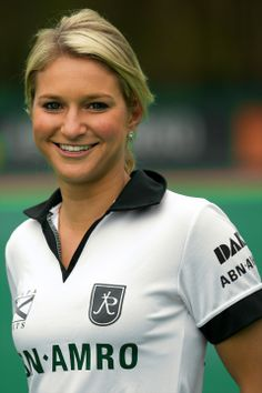 Hollywood goes Dutch - Kate Hollywood suits up for the Dames 1 team for Rotterdam - Hoofdklasse league.  Go Kate!