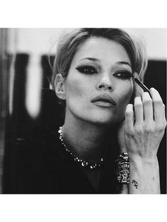 Kate Moss dramatic cat eye | allure.com