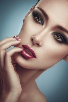 53 Trendy ideas for fashion photography glamour faces Portrait Retouch, Beauty Portrait, Pretty Eyes, Beautiful Eyes, Beauty Photography, Fashion Photography, Beauty Makeup, Hair Beauty, Blonde Beauty