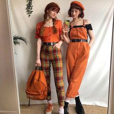 Fell in love with orange by checking these vintage casual dresses in the picture below! A charming orange plain fitted shirt with the orange check pants in 1950s vintage style offer straight from famous designer. Compliment your vintage looks even more with another orange dress on the right.
