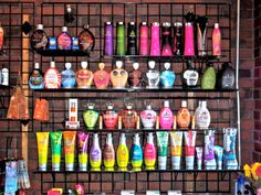<3 one thing I would love to do is open a tanning salon some day!!