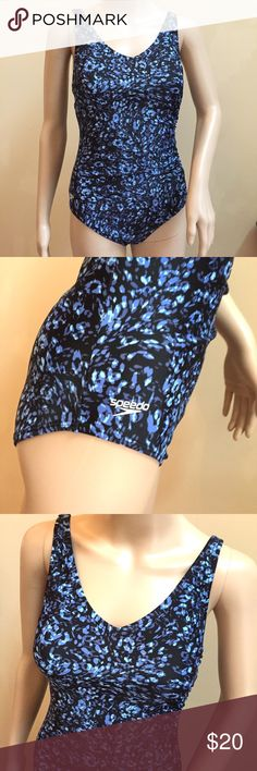 Speedo One Piece Swimsuit Size 6 Speedo one piece, floral pattern, logo right hip, excellent used condition, size 6 *2* Speedo Swim One Pieces