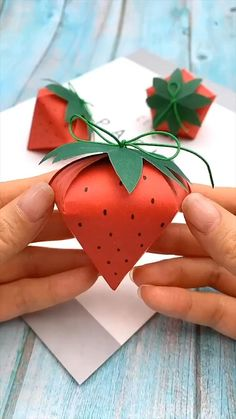 Origami Decoration, Decoration Bedroom, Valentines Day Gifts For Him Creative, Valentine Ideas, Diy For Kids, Crafts For Kids, Fun Crafts, Paper Crafts Origami, Origami Ideas