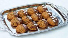 Narancsos-ricottás cannoli - Kifőztük, online gasztromagazin Sweet Cookies, Cake Cookies, Graham, Christmas Time, Xmas, Cannoli, Ricotta, Muffin, Cooking