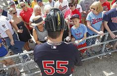 Minnesota Twins pticher Matt Capps signs autographs for fans during practice before a spring training baseball game against the Tampa Bay Rays in Fort Myers, Fla. Sports Complex, Tampa Bay Rays, Fox Sports, Spring Training, Minnesota Twins, Baseball Games, Fort Myers, Boston Red Sox, Glove
