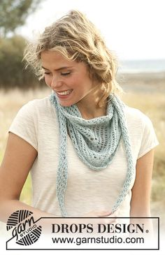 "DROPS 129-30 - Knitted DROPS shawl with lace pattern in ""Alpaca"". - Free pattern by DROPS Design"