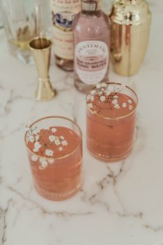 Sip on this fun and feminine Rose Royale Cocktail with your favorite gal pals for a guaranteed good time at your next girls' night. Get the recipe and get to sippin'! Cocktails, Cocktail Drinks, Cocktail Recipes, Alcoholic Drinks, Fancy Drinks, Yummy Drinks, Yummy Food, Snack, Happy Hour