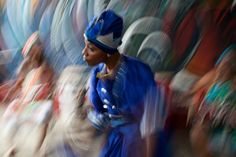 uruma-cuba Bruma Takezawatravelled the world photographing people in remote places. Photography Photos, Fine Art Photography, Travel Photography, Bbc News, Living Off The Land, Photographs Of People, Travel News, Commercial Photography, Photojournalism