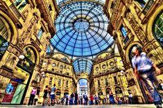Daca iti place sa faci shopping, atunci cu siguranta visezi la o sesiune de cumparaturi in boutique-urile celor mai mari designeri, in capitala modei europene – Milano.
