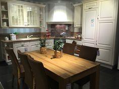 Elegant Landhaus Einbauk che Scheffau Magnolie K chen Quelle K che Pinterest Modern country kitchens Modern country and Kitchens