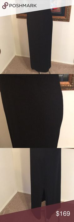 ⭐️ST. JOHN LONG BLACK KNIT SKIRT 💯AUTHENTIC ⭐️ST. JOHN LONG BLACK KNIT SKIRT 💯AUTHENTIC ! STUNNING AND STYLISH ! TRUE SUPER HIGH END LUXURY AND STYLE! THIS SKIRT IS STRETCHY AND BEAUTIFUL . IT IS A STRETCHY SIZE 8. THE WAIST IS 28 INCHES BUT STRETCHY. THE HIP IS 40 INCHES BUT STRETCHY. THE LENGTH IS 38 INCHES . St. John Skirts Maxi