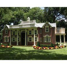 Playhouses of the Rich and Famous   Suburban Turmoil