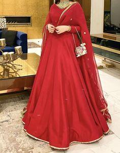 Desi Wedding Dresses, Dresses To Wear To A Wedding, Weeding Dress, Bridal Dresses, Black Pakistani Dress, Pakistani Dress Design, Pakistani Dresses, Indian Bridal Outfits, Pakistani Wedding Outfits
