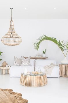 Beautiful bright white living spaces! Featuring Uniqwa's Masekela Sofa 🍃✨ Lindi Coffee ➳ Yaana Pendant Light ➳ Styling & Photography 📷 #uniqwacollections ➳ Cushions by #bhdaus ♡✔