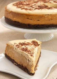 Dulce de Leche Cheesecake with Brownie Crust is an amazingly delicious combination of rich dulce de leche and dark chocolate brownie. One of the best cheesecakes I've ever had! @spreadphilly #OnlyPhiladelphia #spon