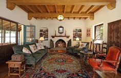 Known locally and on the home tour circuit as the Earl House, this La Cañada Flintridge property was built in 1927 for William Jarvis Earl, son of one of the first developers of the neighborhood,. Spanish Revival Home, Spanish Style Homes, Spanish House, Spanish Bungalow, Spanish Design, Spanish Colonial Decor, Spanish Interior, Style At Home, Southwestern Home