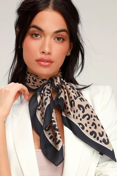 Add some fierce flair to your 'fit with the Lulus Get Wild Navy Blue Leopard Print Satin Scarf! Silky woven fabric, with a trendy leopard print in shades of beige, white, and navy blue, and a whit Ways To Wear A Scarf, How To Wear Scarves, Silk Neck Scarf, Leopard Print Scarf, Cheetah Print, Head Scarf Styles, Outfits Mujer, Neck Scarves, Look Chic