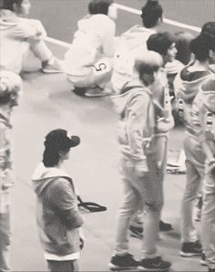Hunhan-Luhan beckoning Sehun over and then cuddling him