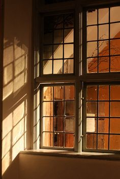 "rosebiar: ""(via Pin by Gico on Lumière 