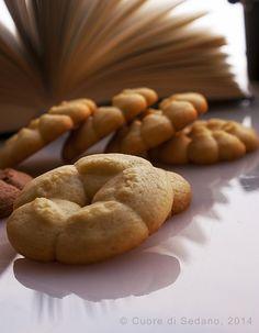 Fantasia di biscotti alla vaniglia con frolla all'olio ~ con SPARBISCOTTI
