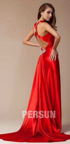 bd6e5f26144d3 Robe de bal/de soirée moulante décolletée en V ornée de strass à dos nu. Robe  longue rouge ...