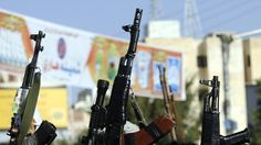 Die Administration des US-amerikanischen Präsidenten Barack Obama habe im vorigen Jahr Waffen für etwa 1,3 Milliarden Dollar an Saudi-Arabien verkauft. Dabei seien die USA gewarnt worden, dass sie dadurch als Mithelfer der Kriegsverbrechen in Jemen anerkannt werden können. Dies berichtet Reuters unter Berufung auf Regierungsdokumente und Aussagen der ehemaligen und amtierenden US-Beamten.
