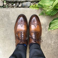 Cheaney  いくぶんカラッとしてるでしょうか #cheaney #shoes #mensshoes #sotd #shoesoftheday #チーニー #紳士靴 #革靴 Cheaney Shoes, Men's Shoes, Dress Shoes, Oxford Shoes, Lace Up, Fashion, Moda, Man Shoes, Fashion Styles