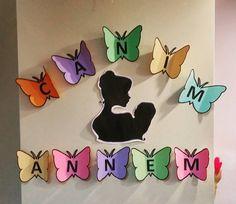Canım Annem Mom Day, Art Classroom, Birthday Decorations, Preschool, Arts And Crafts, Painting, Ornaments, Manualidades, Anniversary Decorations