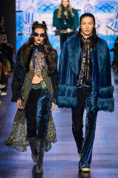 Anna Sui Fall 2017 Ready-to-Wear Fashion Show - Vittoria Ceretti, Zhengyang Zhang