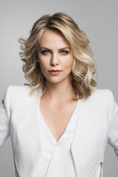 Charlize Theron in Talks to Star in Seth MacFarlane's Western Comedy A MILLION WAYS TO DIE IN THE WEST