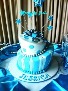 A beautiful 21st cake in blue