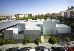 Centros Municipales de Salud en Madrid, San Blas + Usera + Villaverde / Estudio Entresitio. Fotografía de Roland Halbe