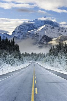 The Icefields Parkway, Banff-Jasper National Parks, Rocky Mountains, Canada. Extending from the Interior Plains of Alberta to the Rocky Mountain Trench of British Columbia. Rocky Mountains, Canada Mountains, Beautiful World, Beautiful Places, Beautiful Roads, Beautiful Beautiful, Beautiful Scenery, Christmas Aesthetic Wallpaper, Christmas Wallpaper
