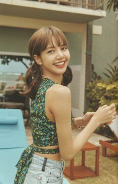 See all Lisa HQ scan photos below from BLACKPINK Summer Diary 2019 in Hawaii. She looks so charming and attractive in these outfit Blackpink Lisa, Jennie Blackpink, Lisa Chan, Kpop Girl Groups, Kpop Girls, V Bta, Ft Tumblr, Lisa Blackpink Wallpaper, Kim Jisoo