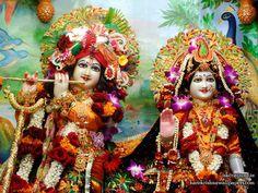 Sri Sri Radha Kunjabihari Close up Wallpaper (001)   Download Wallpaper: http://wallpapers.iskcondesiretree.com/sri-sri-radha-kunjabihari-close-up-iskcon-pune-wallpaper-001/  Subscribe to Hare Krishna Wallpapers: http://harekrishnawallpapers.com/subscribe/  #Krishna, #Kunjabihari, #RadhaKrishna, #RadhaKunjabihari, #SrimatiRadharani