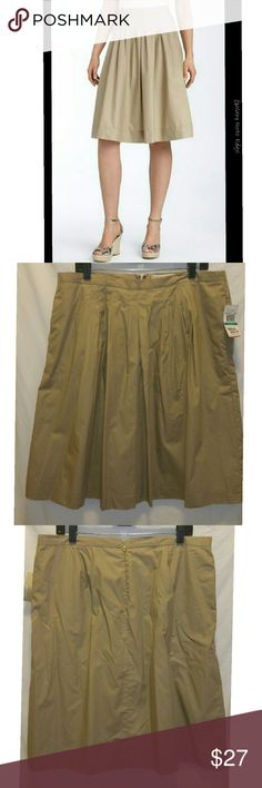"""NWT Michael Kors A-line Skirt Michael Kors Pleated A-line skirt Pleats add volume to the front (none in back) 2 side pockets  Back zip with hook and eye closure Fully lined Length: 25"""" 100% cotton MICHAEL Michael Kors Skirts A-Line or Full"""