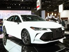 New car pricing for the 2019 Toyota Avalon XLE. Get MSRP, fair purchase price, dealer invoice, 5 year cost to own and resale value for the 2019 Toyota Avalon XLE. Full Size Sedan, Find Cars For Sale, Kelley Blue, Toyota Avalon, Car Goals, Car Prices, Blue Books, Toyota Camry, Future Car