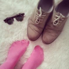 Lemonade Attack pink socks for man / Calcetines rosas para hombre by Lemonade Attack.  https://pbs.twimg.com/media/BW7hkteIMAA2zsF.jpg