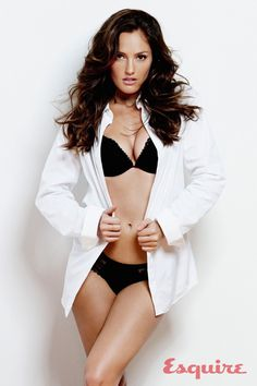 Minka Kelly Proves Pants Are O. is listed (or ranked) 2 on the list The 29 Hottest Minka Kelly Pics of All Time Beautiful Celebrities, Beautiful Actresses, Beautiful Women, Beautiful People, Stunning Girls, Pretty People, Amazing Women, Olivia De Havilland, Jackie Kennedy