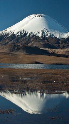 Ruka Pillañ o Kütral Pillañ Chile Beautiful World, Beautiful Places, Mont Fuji, Destination Voyage, South America Travel, Natural Wonders, Beautiful Landscapes, Lava, Wonders Of The World
