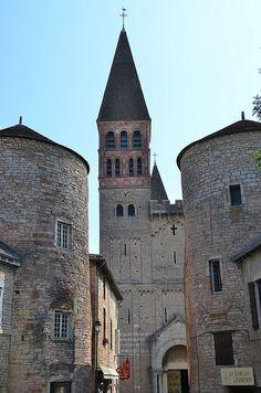 Tournus (Saône-et-Loire) - Abbaye Saint-Philibert - Façade de l'église abbatiale | Flickr - Photo Sharing! Burgundy France, Romanesque Architecture, Beaux Villages, Kirchen, France Travel, Land Scape, Facade, Medieval, Beautiful Places