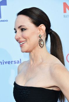 Madeleine Stowe Ponytail - A ponytail doesn't get any more elegant than Madeleine's! Classic Actresses, Female Actresses, Beautiful Actresses, Madeleine Stowe, She Is Gorgeous, Most Beautiful Women, Hollywood Celebrities, Hollywood Actresses, Victoria Grayson
