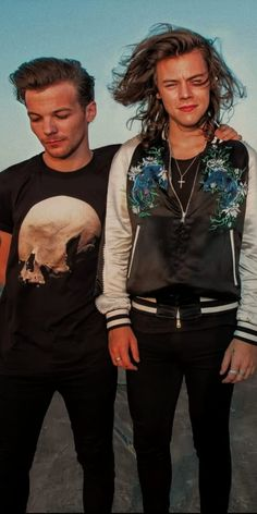 Larry Stylinson, Louis Tomlinson, Larry Shippers, Harry Styles Pictures, Harry Styles Wallpaper, Mr Style, Louis And Harry, One Direction Pictures, 1d And 5sos