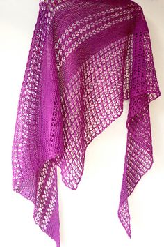 Ravelry: Wildheart shawl with Hazel Knits Divine - knitting pattern by Janina Kallio.