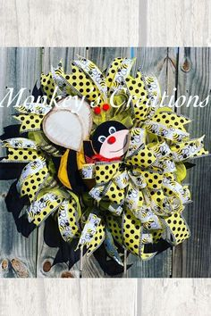 """Bring on the BUZZ! Unique in the Creek is all """"buzz"""" about Michele's adorable Bee wreath! Mixing materials and adding that adorable center makes this wreath a """"sweet"""" addition to any door or wall and so SO perfect for Spring! Our lightweight recycled plastic full board design is perfect for any environment, just make sure you seal your wreath, we want it to stay pretty as long as it can! #imadethis #uitc #diywreath #diydecor #diyspring Diy Spring Wreath, Diy Wreath, Diy Butterfly, Frame Wreath, How To Make Wreaths, Diy Flowers, Flower Designs, Seal, Environment"""